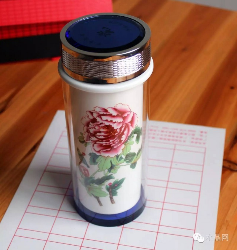 双层水晶陶瓷杯花开富贵(大号杯),水晶杯盖,正宗景德镇优质陶瓷体。